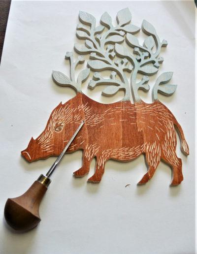 gravure sanglier 5 - bois de peuplier - gouge à bois